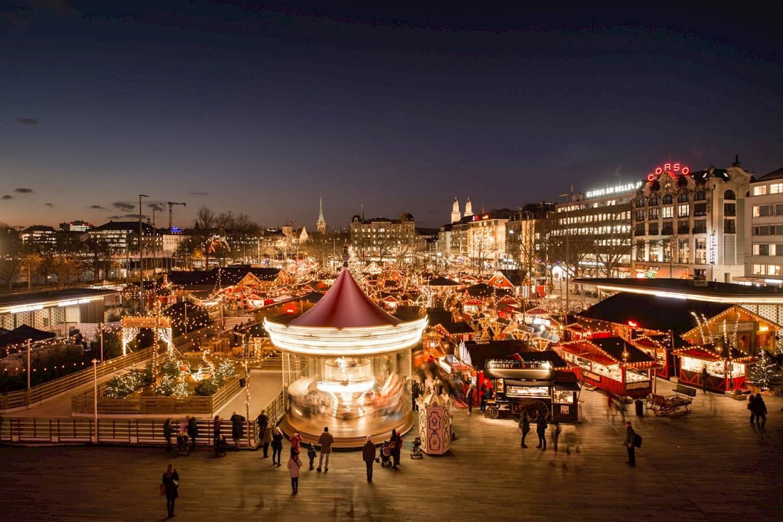 Weihnachtsmarkt Zürich.Elfendörfli Jung Opernhaus Zürich